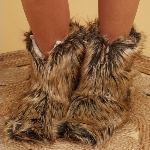 e05c60de392 Altar d State Shaggy Slippers size Small